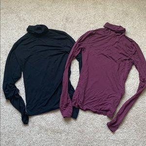 2 Garage turtle neck sweaters